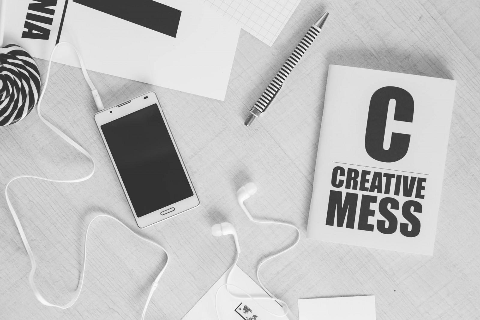 0_my_playlist_creative-smartphone-notebook-typography